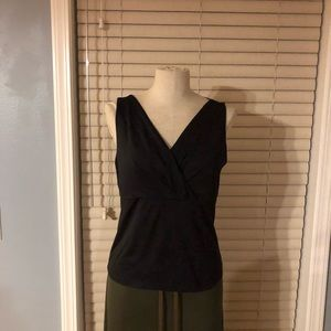Black cross front Worthington top. Size L